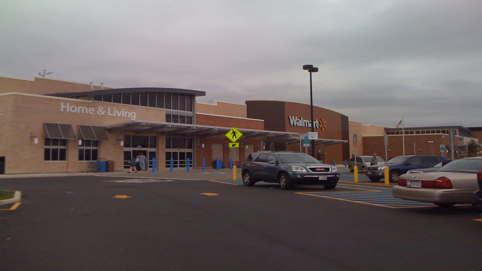 wal-mart supercenter coming to la plata