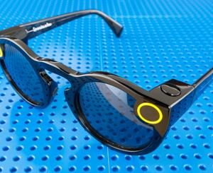 526140-snapchat-spectacles